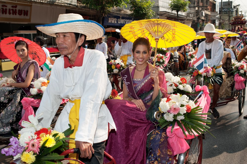 Tricycle Taxis at the Flower Festival Parade 25 Valuable Tips For The Best Travel Photography Portraits