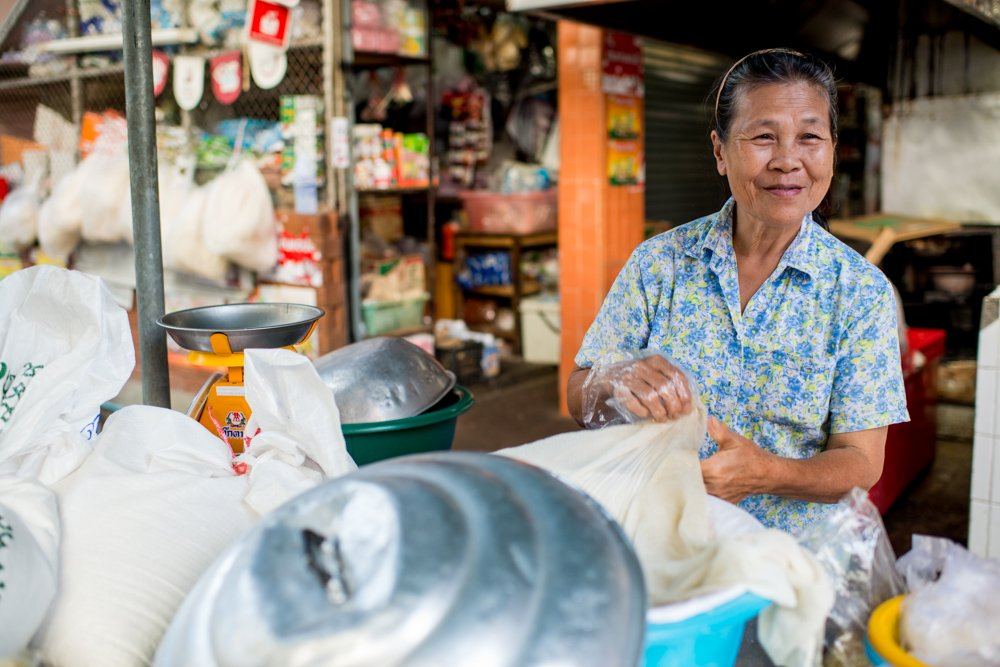 Selling Sticky Rice at Muang Mai Market in Chiang Mai Thailand, how to tell stories with photos